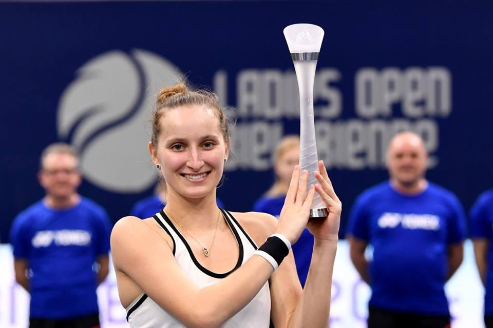 A tcheca Marketa Vondrousova já 67ª no ranking mundial aos 18 anos e tem um título de WTA