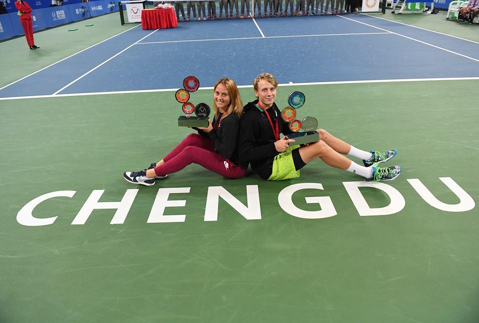 Marta Kostyuk e Emil Ruusuvuori conquistaram os títulos no Junior Masters (Foto: Paul Zimmer/ITF)