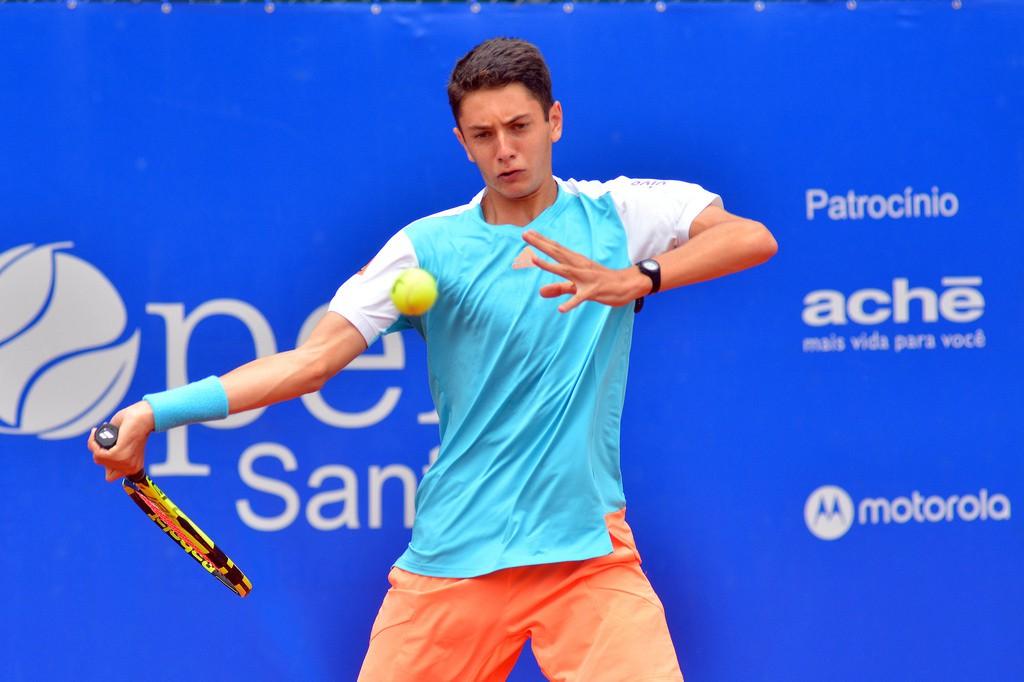 Matheus Pucinelli tem 16 anos e ocupa o 31º lugar do ranking juvenil (Foto João Pires/Fotojump)