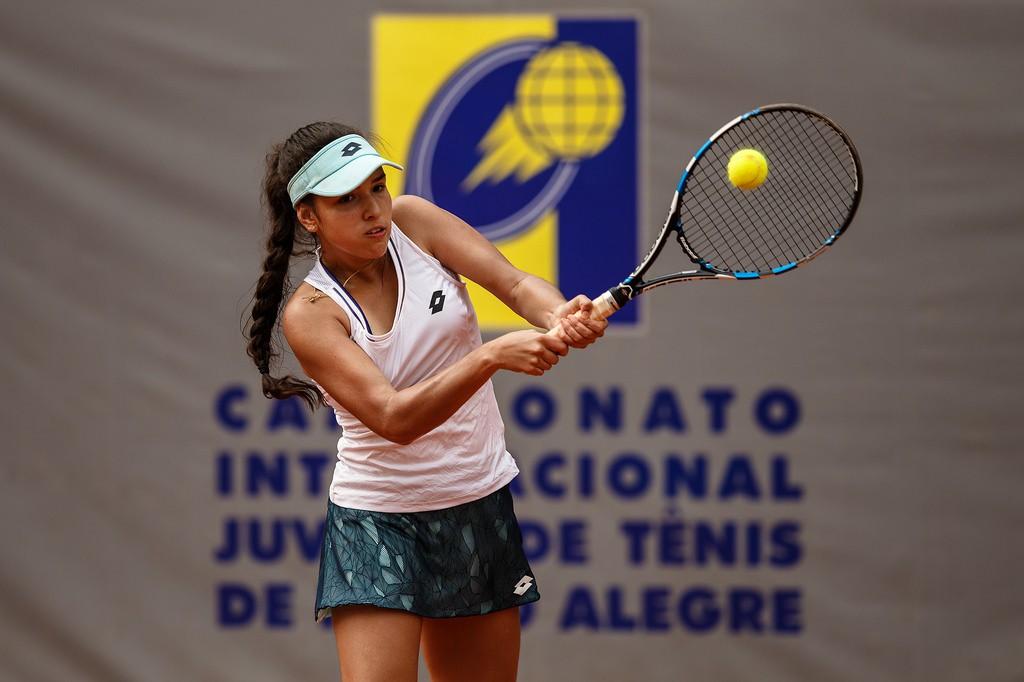 Maria Camila Osório Serrano venceu 26 jogos seguidos no circuito juvenil (Foto: Heusi Action/Gabriel Heusi)