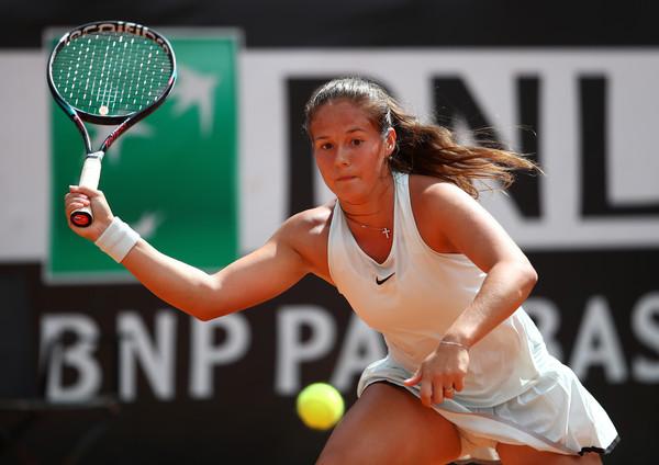 Kasatkina pode reencontrar Wozniacki, a quem já derrotou duas vezes no ano