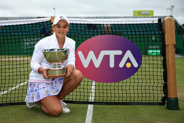 Ashleigh Barty foi campeã do WTA de Nottingham há duas semanas