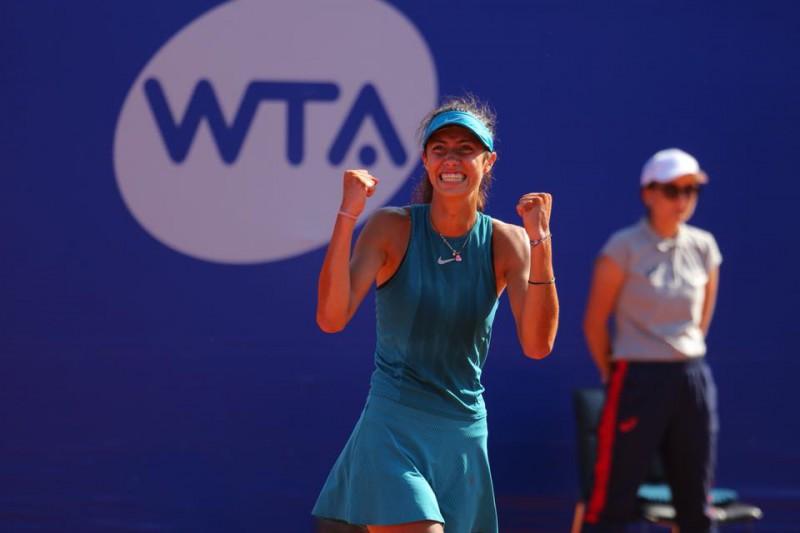 A sérvia de 17 anos Olga Dalilovic é a primeira jogadora nascida em 2001 a conquistar um WTA