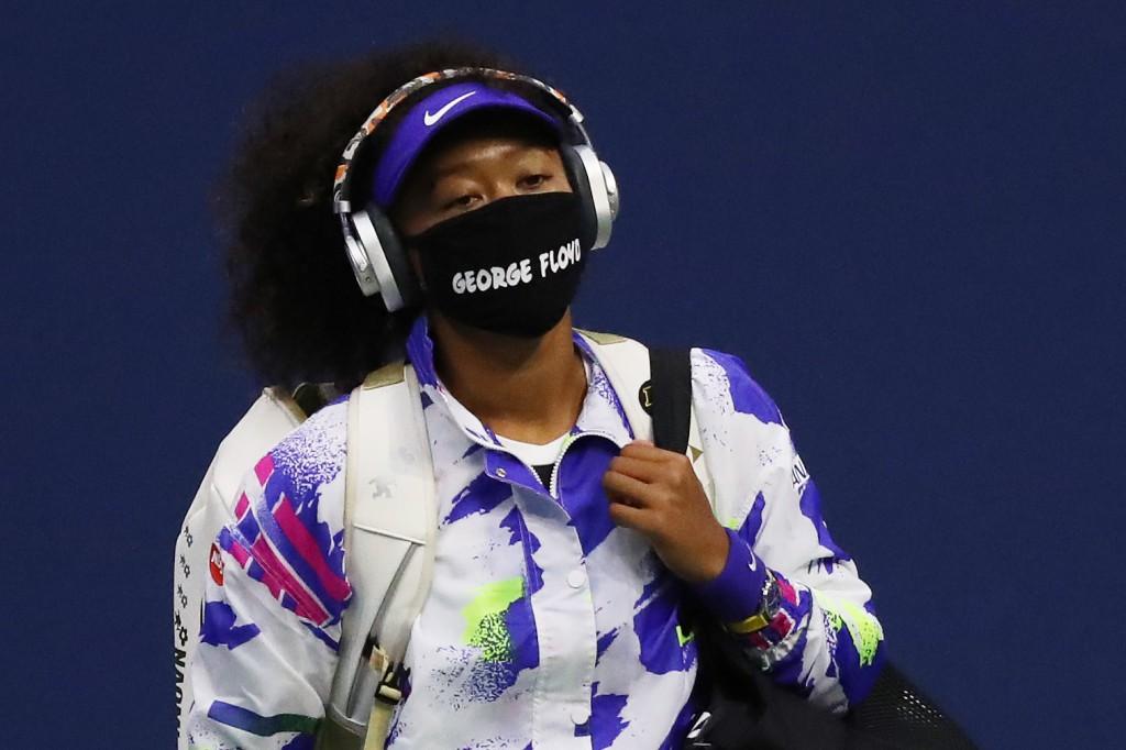Japonesa utilizou sete máscaras com nomes de vítimas de racismo