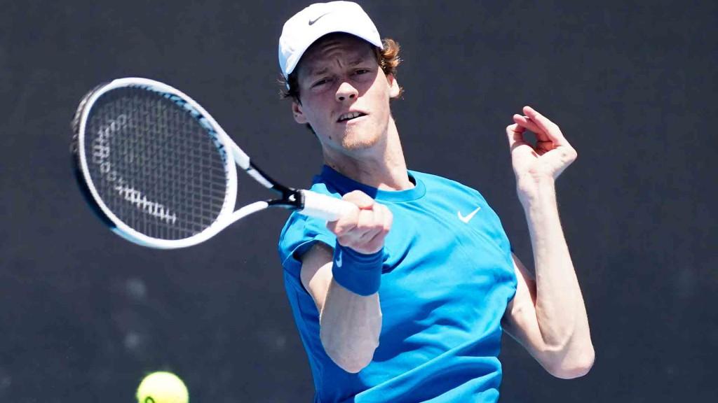 Sinner chegou às quartas em Roland Garros e disputa o quinto Slam da carreira (Foto: Tennis Australia/ Natasha Morello)