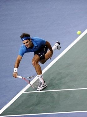 Federer ironiza busca por final inédita em Paris