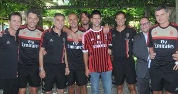 Djokovic faz visita ao Milan, seu time do coração