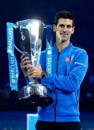 2015/djokovic/1122_finals_trofeu_int.jpg