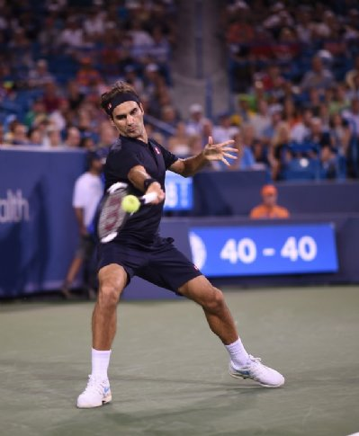 6f063ea6da6 TenisBrasil - Federer eleva nível e busca virada sobre Wawrinka